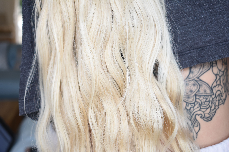 Long blonde wavy hair after using shampoo bars