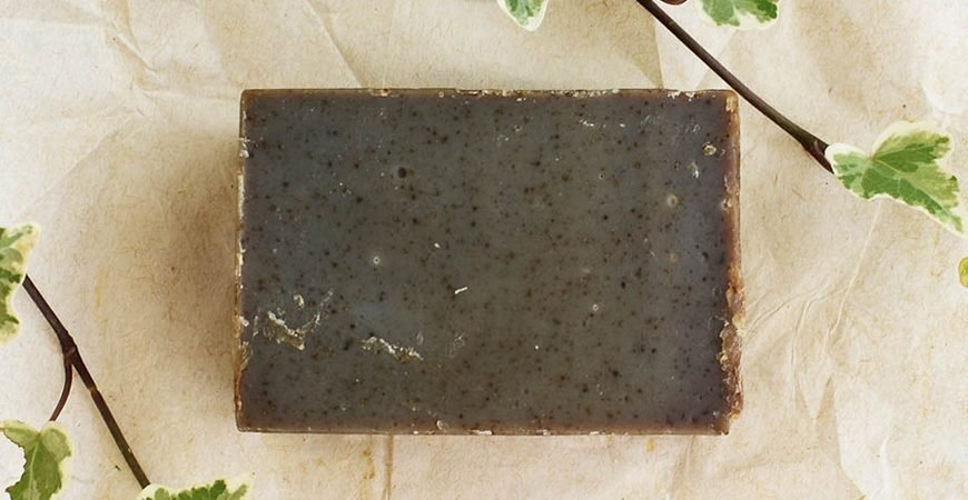solid shampoo bars blog post featured image