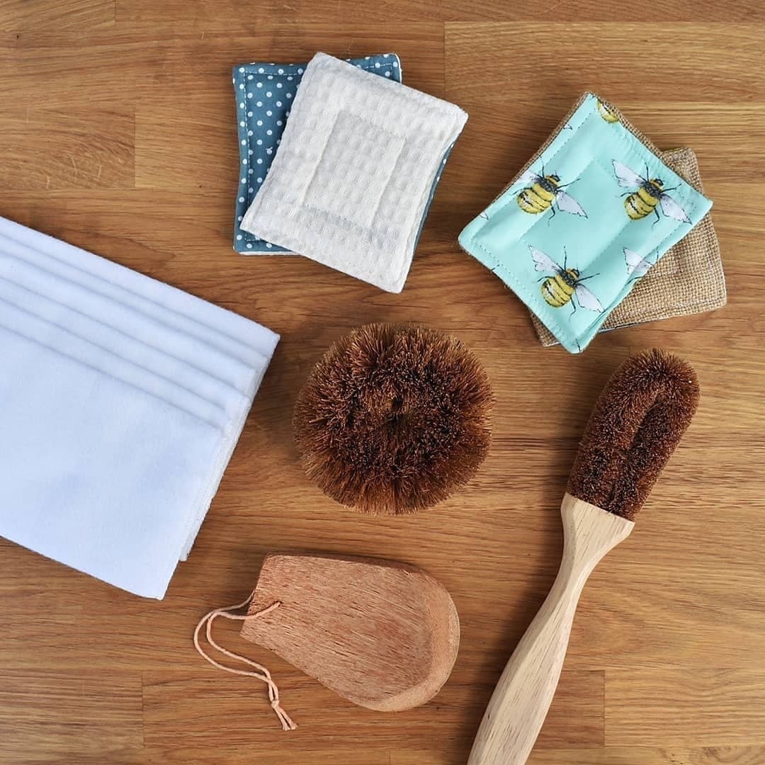 Unsponges and Coconut cleaner brushes