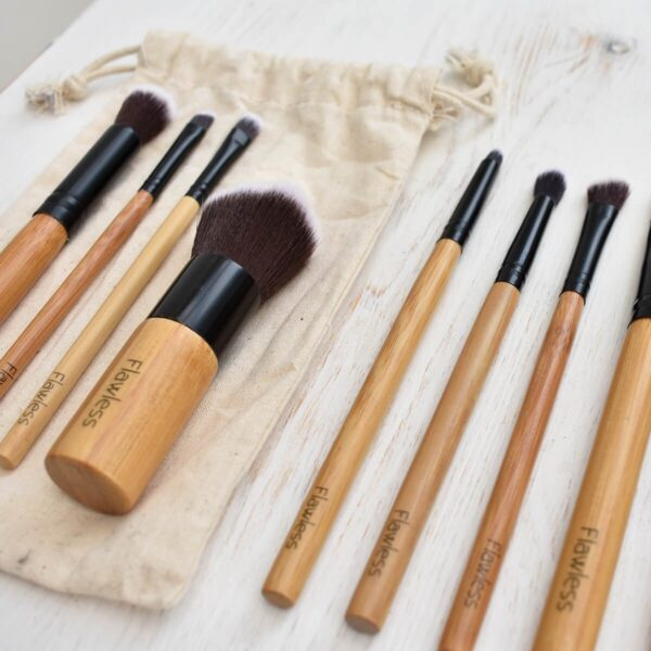 Flawless 10 Piece Bamboo Makeup Brush Set With Bag