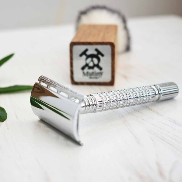 Mutiny Silver Double Edge Safety Razor With Brush