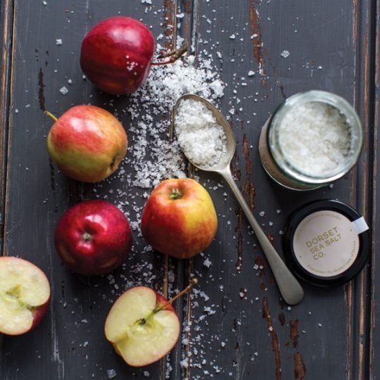 Apple Oak Smoked Dorset Sea Salt Flakes loose with fresh apples