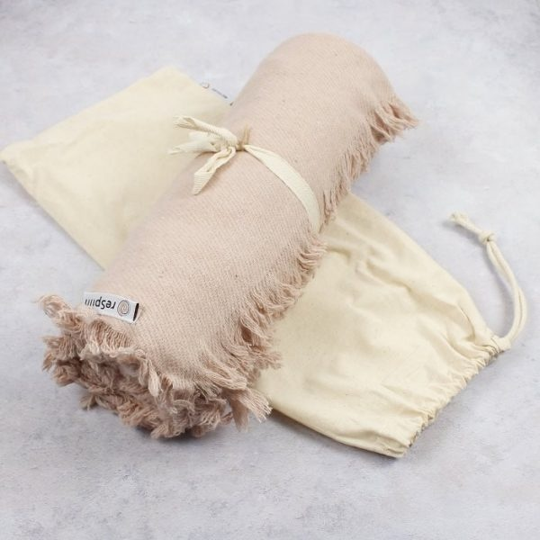 ReSpiin Recycled Wool Throw with Fringe Dusty Pink With Bag