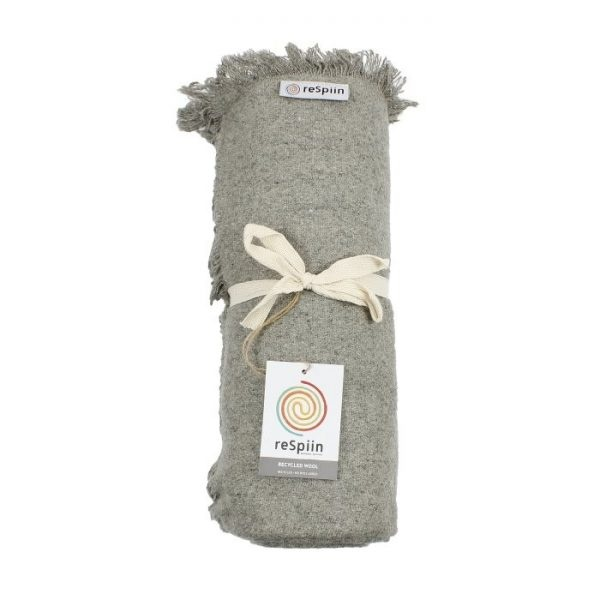 ReSpiin Recycled Wool Throw with Fringe Light Grey