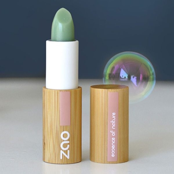 Zao Lip Scrub Stick On Bubble Background