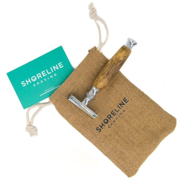 Shoreline Hessian Travel Bag With Safety Razor